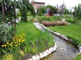 1b Potok u parku poslovnog centra Green Gold u Zagrebu
