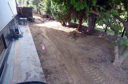 Vrt Dugave prije uređenja travnim busenom i vrtnim rubnjacima Herbadesign